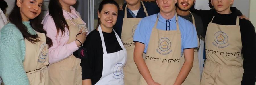 """""""Хляб на тъмно"""" с Британското училище в София"""